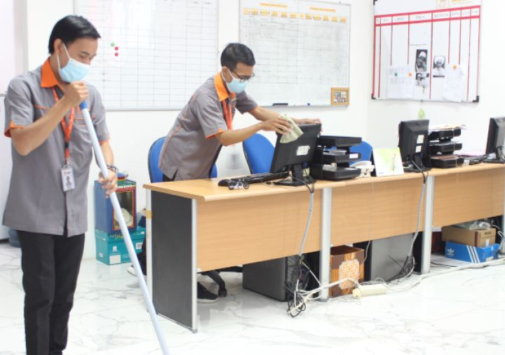 Services Cleaning Service dfhfg